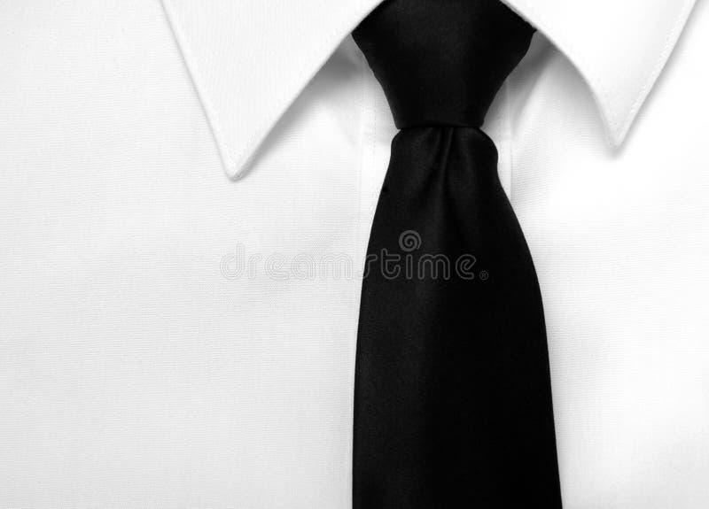 Legame nero della camicia di vestito fotografia stock