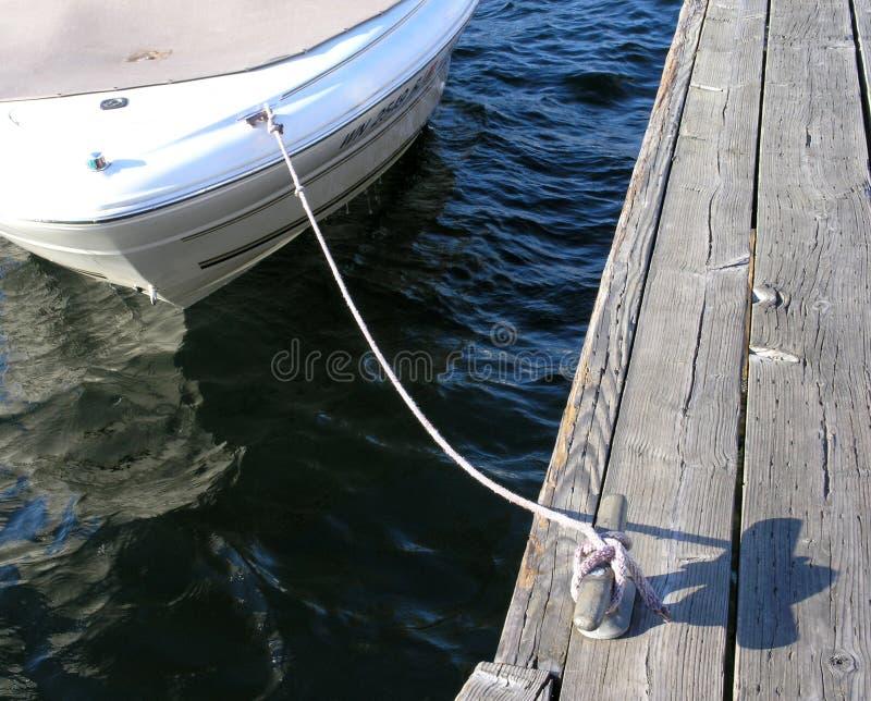 Download Legato in su immagine stock. Immagine di piacere, watercraft - 212547