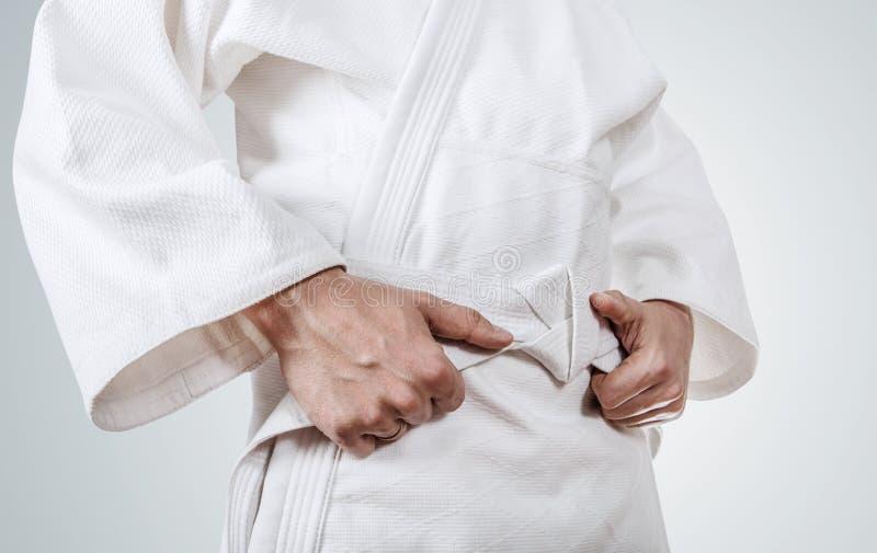 Download Legatura Della Fine Della Cinghia Del Kimono Sull'immagine Fotografia Stock - Immagine di esercitazione, serio: 56888846