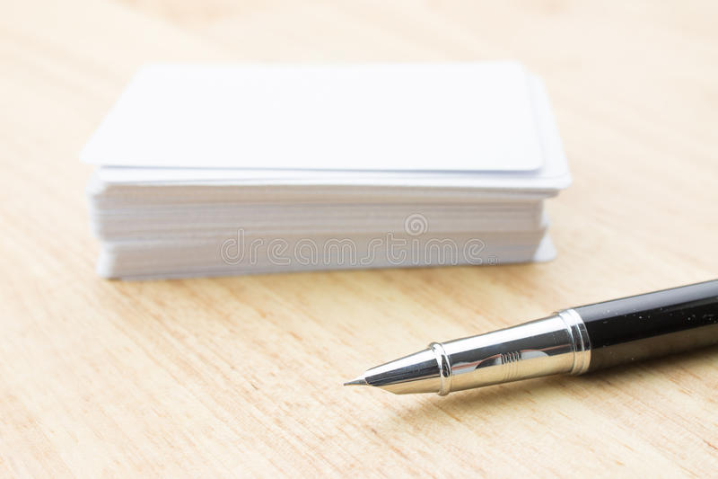 Lege Adreskaartje en Pen stock afbeelding