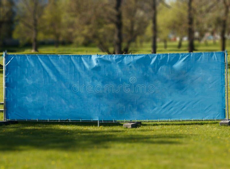 Download Lege Affiche In Het Stadspark Stock Foto - Afbeelding bestaande uit leeg, reclame: 107702882