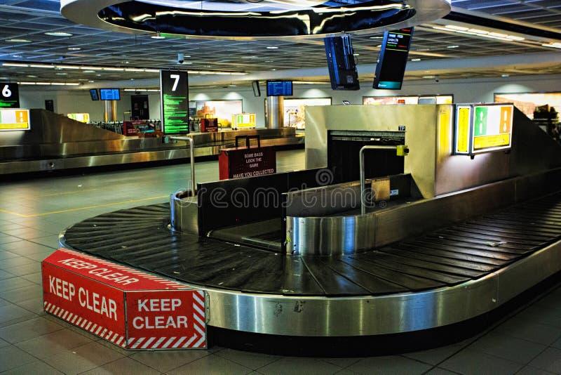 Lege bagageriem/carrousel op de luchthaven van Dublin, Dublin, Ierland, 14 Augustus 2017 stock fotografie