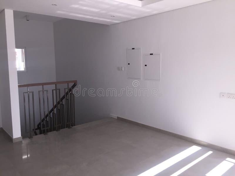 Lege boven Woonkamer in een nieuw huis Gloednieuwe Villa, Huis in de stad royalty-vrije stock afbeelding