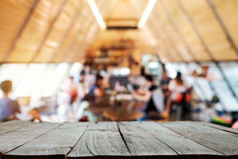 Lege bovenkant van de houten houten ruimte van het plankenbureau stock afbeelding
