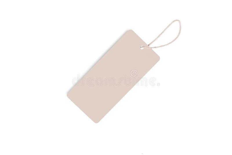 Lege decoratieve die kartondocument giftmarkering met strengband, op witte achtergrond wordt geïsoleerd stock afbeeldingen