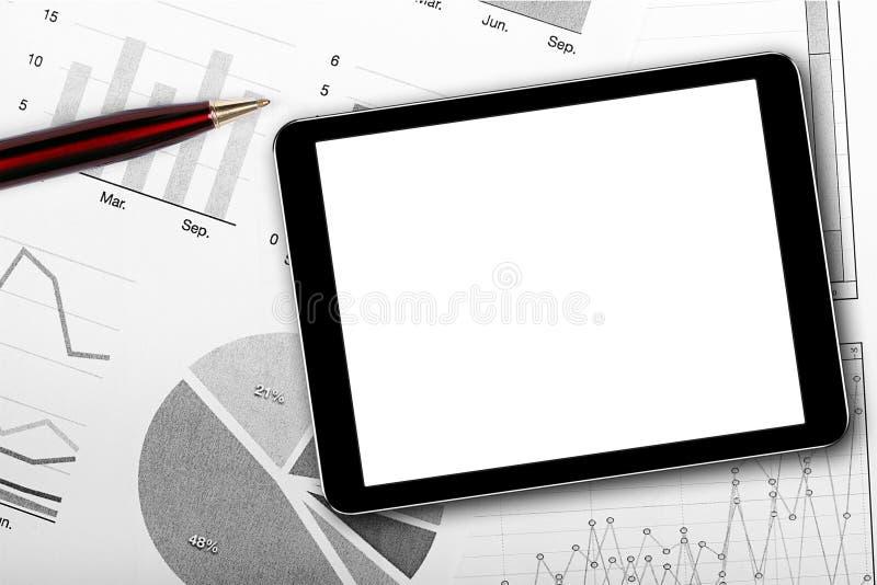 Lege digitale tablet op bedrijfsdocumenten stock foto's