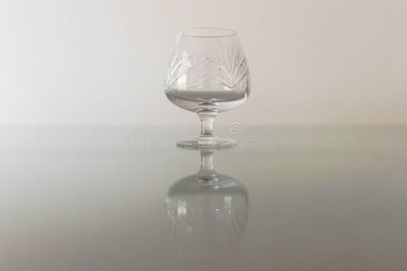 Lege glazen cognac royalty-vrije stock afbeelding