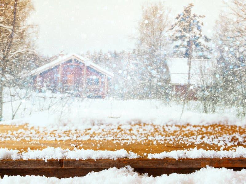 Lege houten lijst voor dromerig de winterlandschap royalty-vrije stock afbeeldingen