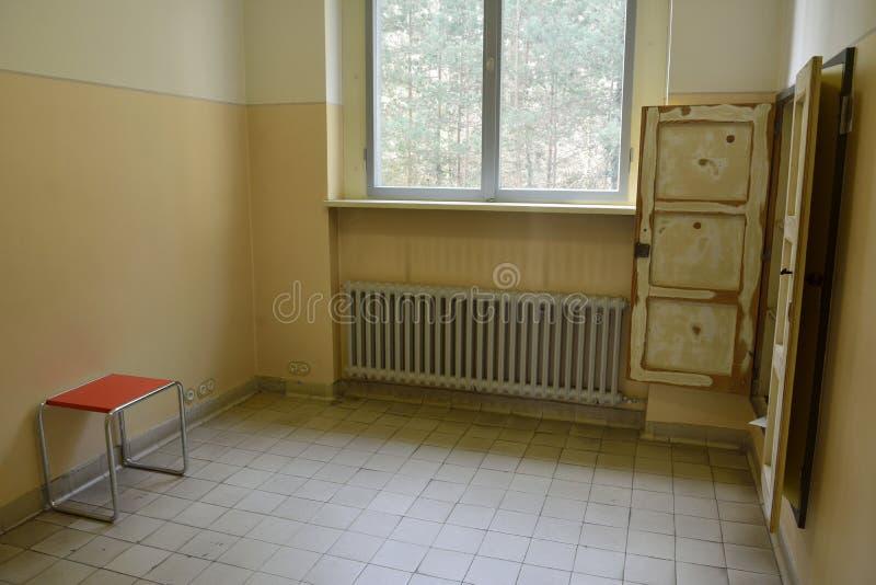 Lege keuken van het Huis Kandinsky/Klee in dessau-Rosslau royalty-vrije stock afbeelding