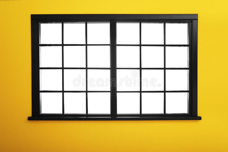 Lege kleurrijke muur met venster royalty-vrije stock foto's