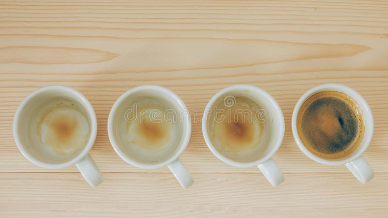 Lege koppen van espresso/koffie royalty-vrije stock fotografie