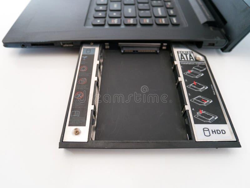 Lege Laptop HDD Theebus Attached aan CD Optische Aandrijvingsbaai stock foto's
