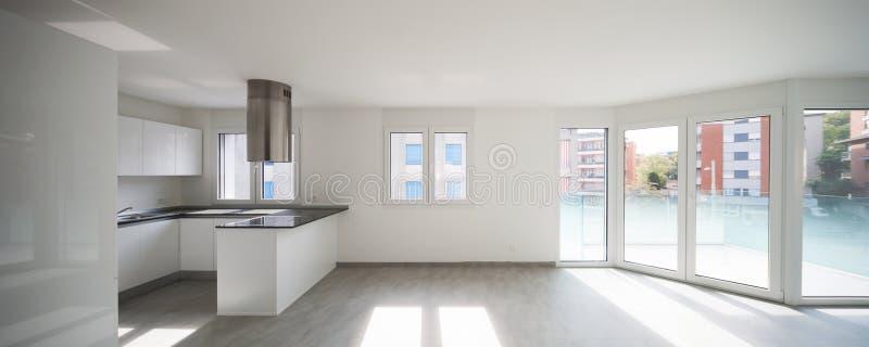 Lege moderne flat, lege ruimten en witte muren stock afbeeldingen