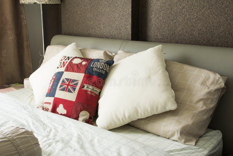 Lege moderne slaapkamer stock foto
