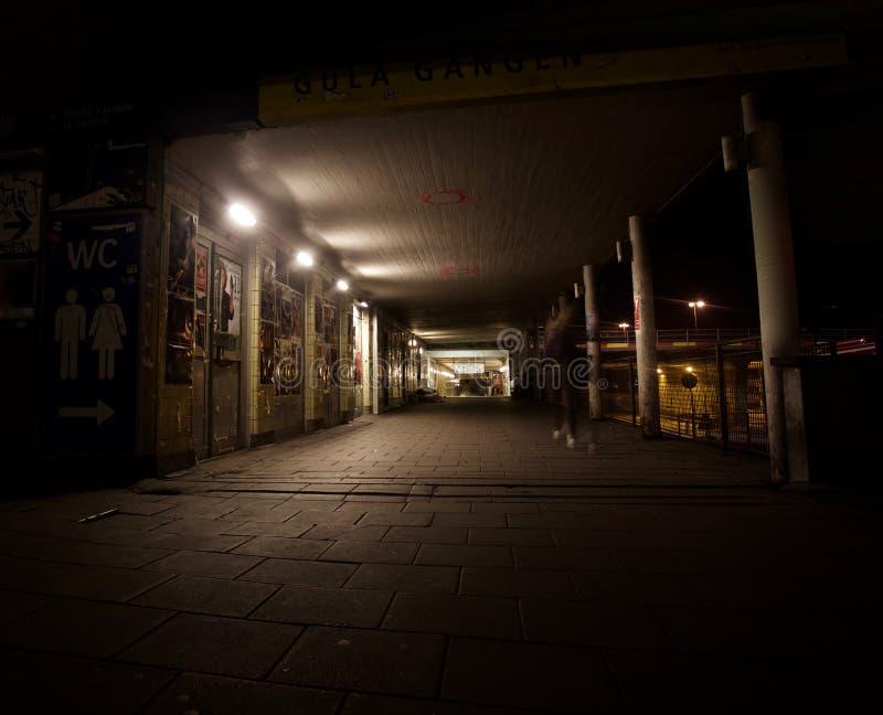 Lege nachtstraat stock foto's