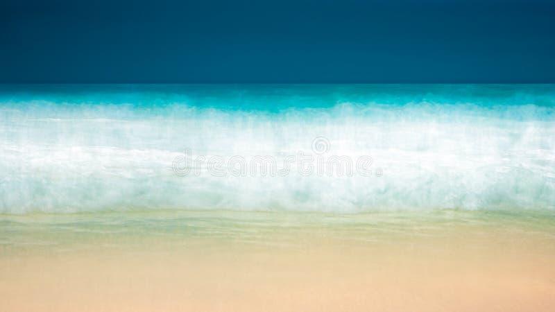 Lege overzeese en strandachtergrond met exemplaar ruimte, Lange blootstelling, blauwe abstracte wijnoogst gekleurde de gradiëntac royalty-vrije stock fotografie