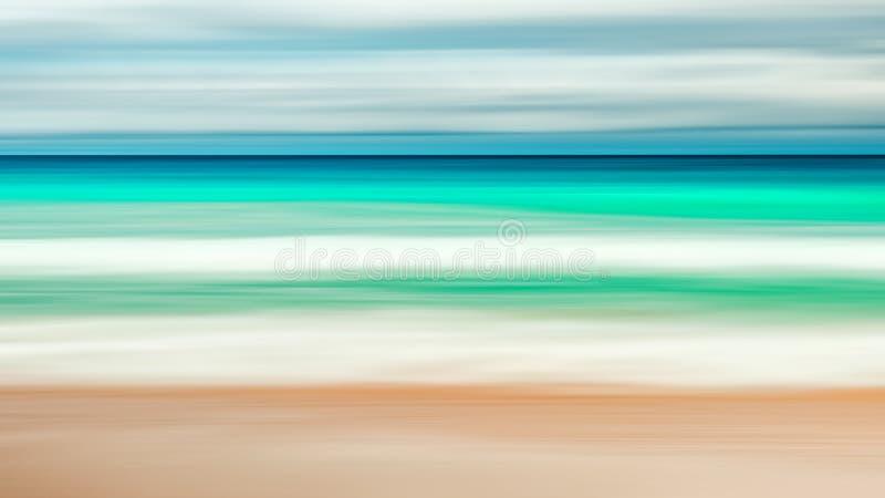 Lege overzeese en strandachtergrond met exemplaar ruimte, Lange blootstelling, blauwe abstracte wijnoogst gekleurde de gradiëntac royalty-vrije stock foto's