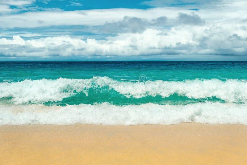 Lege overzeese en strandachtergrond met exemplaarruimte, het concept van de Vakantievakantie royalty-vrije stock fotografie