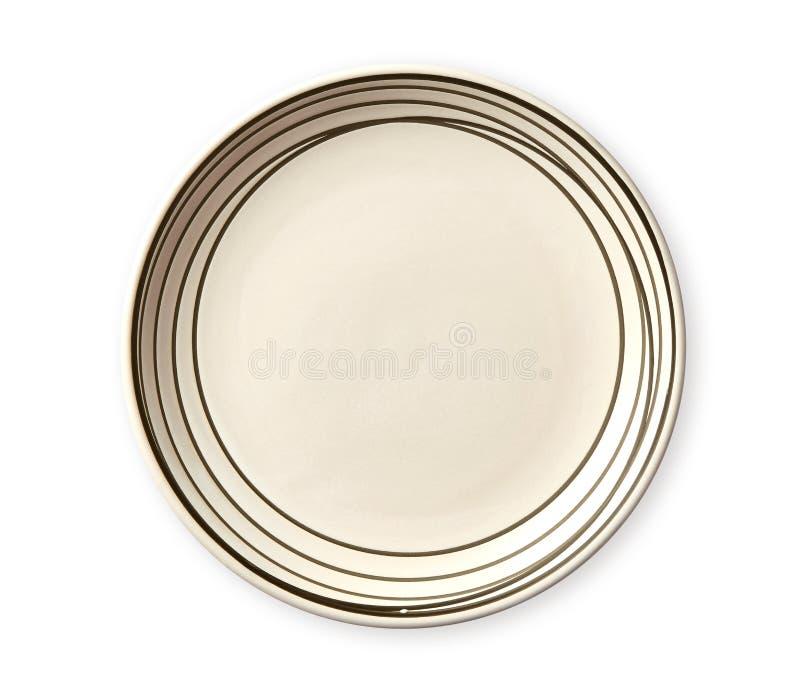 Lege plaat met zwarte patroonrand, Ceramische plaat met spiraalvormig die patroon in waterverfstijlen, op witte achtergrond worde royalty-vrije stock afbeelding