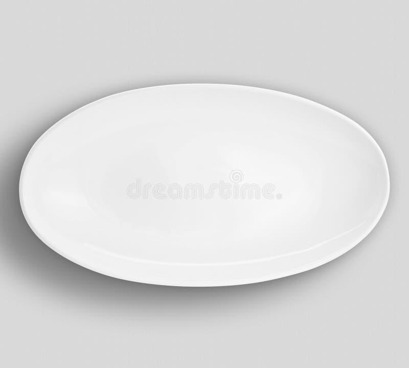 Lege ronde witte plaat met verfraaide grens op witte raad - Beeld stock fotografie
