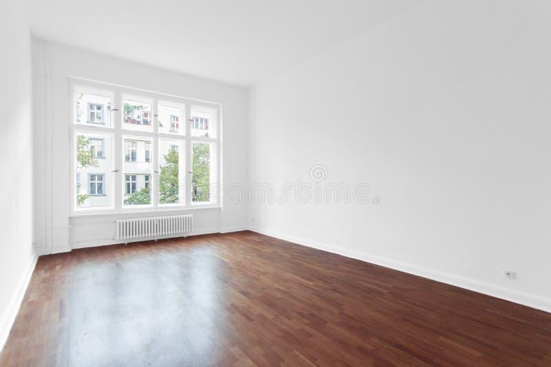 Lege ruimte - nieuwe flat houten vloer stock foto