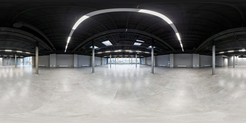 Lege ruimte zonder reparatie volledig naadloos sferisch hdripanorama 360 graden in binnenland van witte zolderruimte voor bureau  royalty-vrije stock fotografie