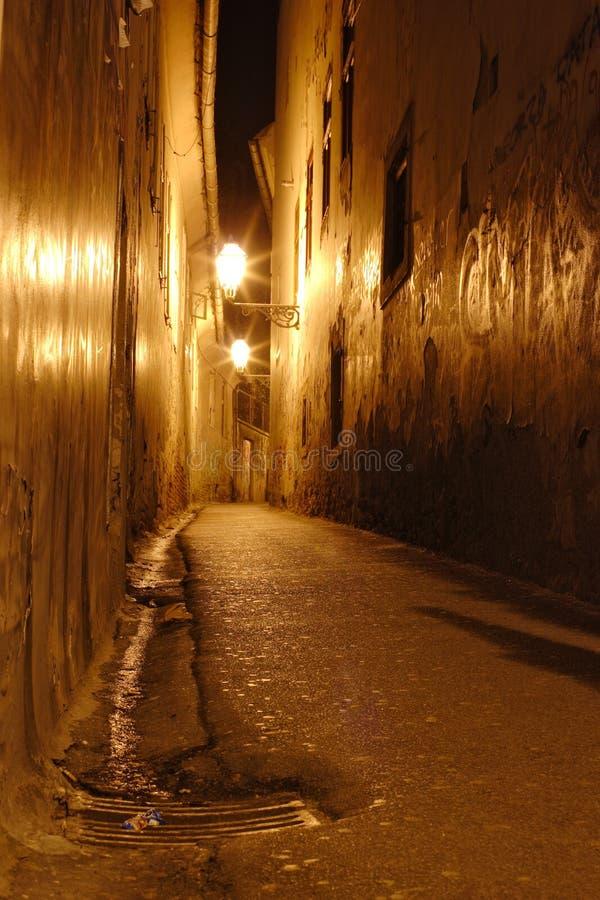 Lege smalle straat in benedenstad Zagreb royalty-vrije stock fotografie