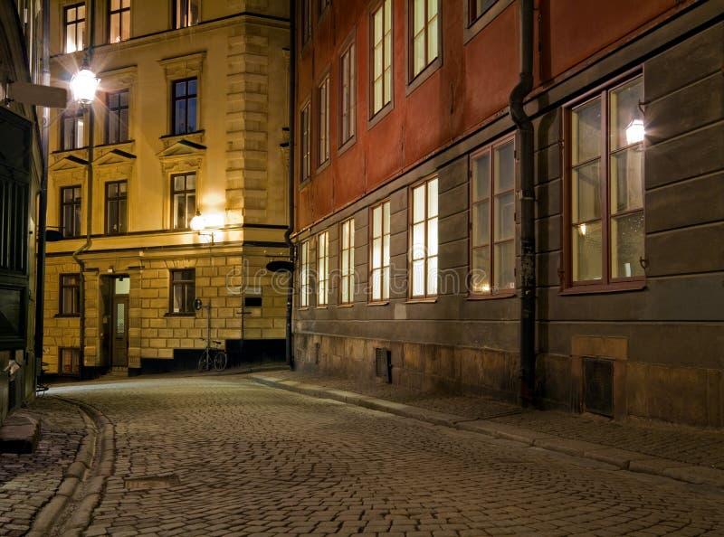 Lege straat bij nacht. royalty-vrije stock fotografie