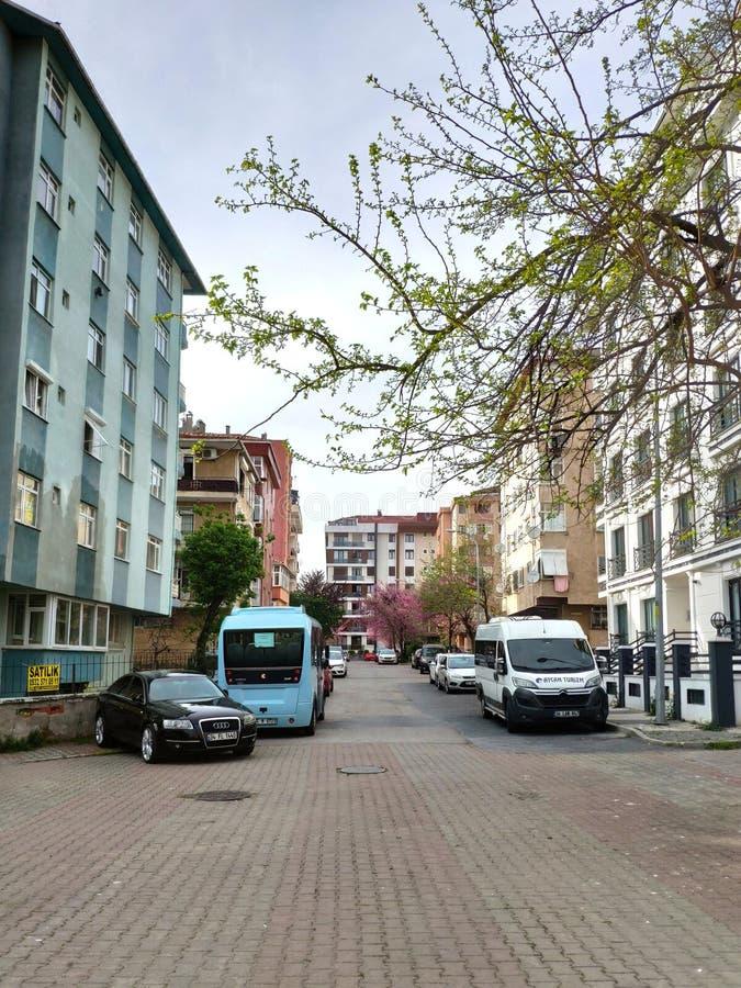 Lege straten op de totale blokkade voor iedereen door de pandemie rond het Corona-virus in de regio Maltepe Nieuw type van het co royalty-vrije stock foto's