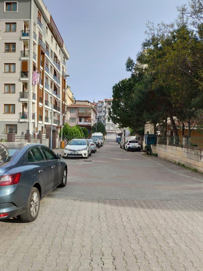 Lege straten tegen de totale blokkering van het coronavirus in de Mega City Het is de stad die nooit slaapt Maar met Istanbul doo royalty-vrije stock afbeelding