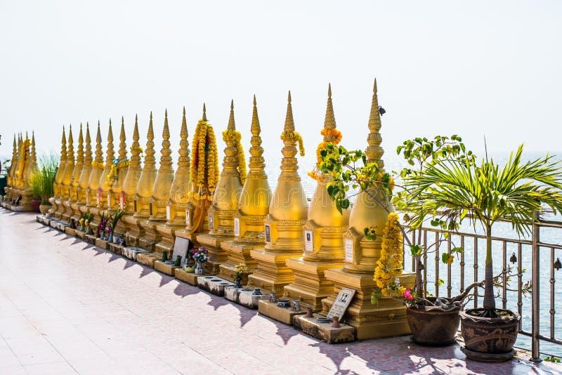 Lege stupa in Wat Thong Thong At Chachoengsao royalty-vrije stock foto