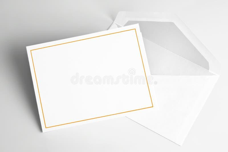 Lege uitnodigingskaart en envelop royalty-vrije illustratie
