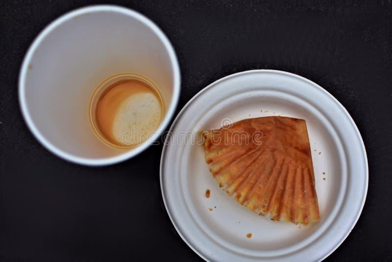 Lege van de koffiekop en plaat luchtmening royalty-vrije stock foto