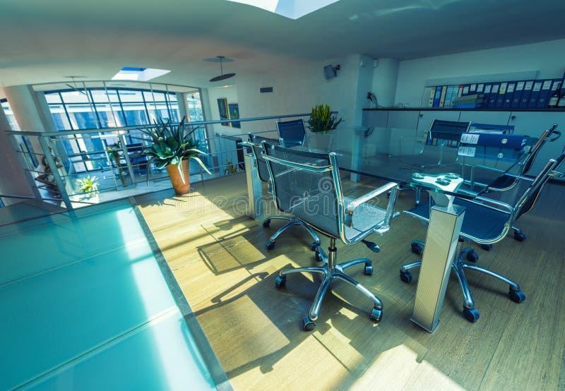 Download Lege Vergaderzaal In Een Modern Bureau Stock Foto - Afbeelding bestaande uit technologie, achtergrond: 54075026