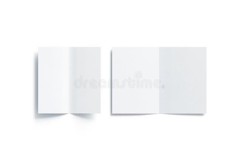 Lege witte twee gevouwen a5 en dl boekjesspot omhoog, vector illustratie