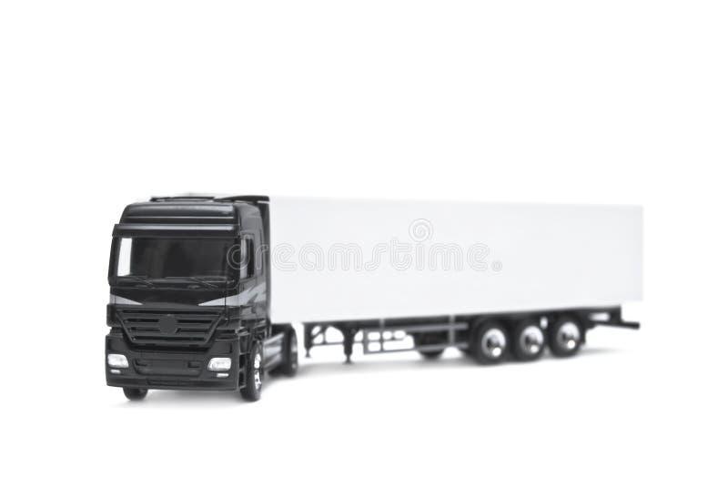 Lege witte vrachtwagen die op een witte achtergrond wordt geïsoleerdy royalty-vrije stock afbeelding