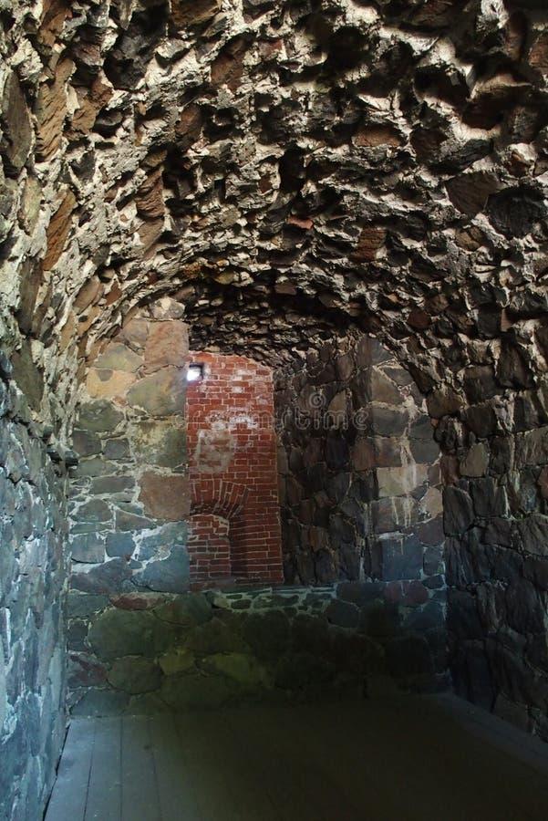 Legen Sie in der Festung, Sveaborg, Suomenlinna in Finnland einen Tunnel an stockbild