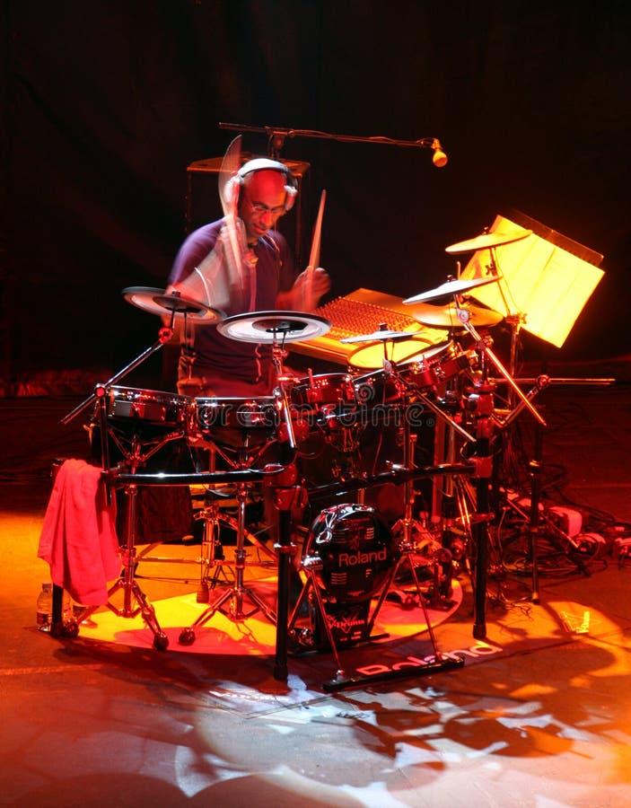 Schlagzeugerkünstler Omar Hakim lizenzfreie stockbilder
