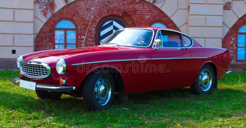 Legendarische Zweedse sportwagen Volvo P1800 op Festival van Retro Te royalty-vrije stock foto