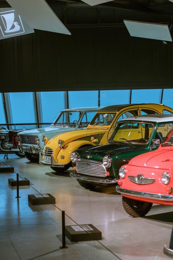 Legendariska mini- bilar av det 20th århundradet Lada, Citroen, kortkort och Fiat royaltyfria bilder