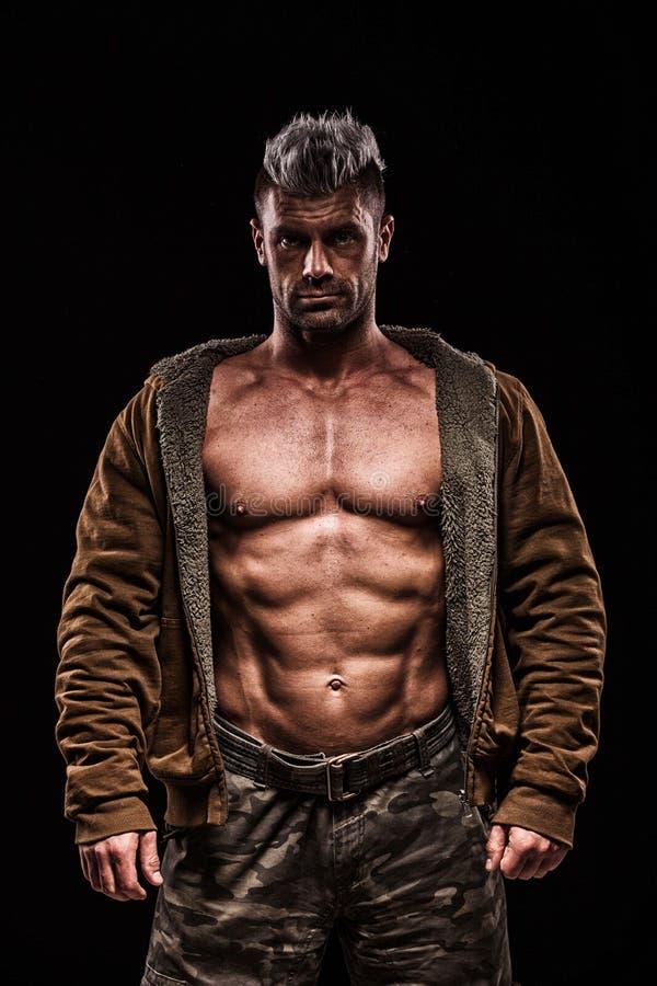 Download Leger, Militaire, Sterke Mens, Gewichten, Het Uitoefenen, Gymnastiek Stock Foto - Afbeelding bestaande uit masculinity, strijd: 54082290