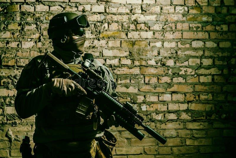 Legermilitair met wapens royalty-vrije stock foto's