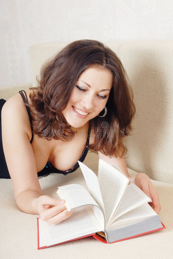 Legga e sorrida immagini stock libere da diritti