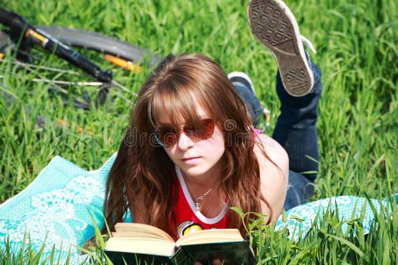 Legga il libro fotografia stock