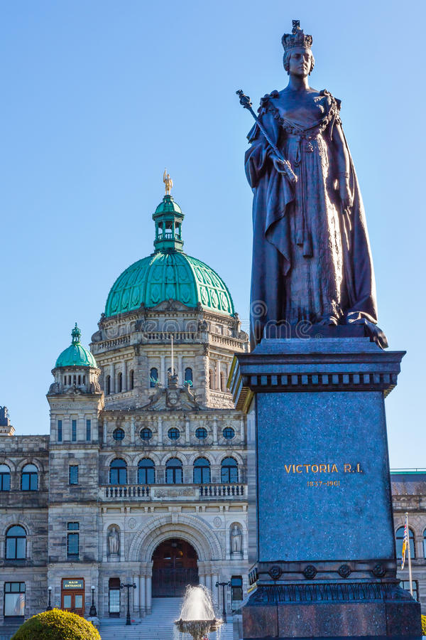 Legislative Buildiing Queen Statue Victoria Canada stock photography