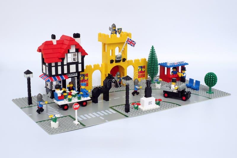 Lego Classic Town ajustou 1592, chamado ` da praça da cidade do ` foto de stock