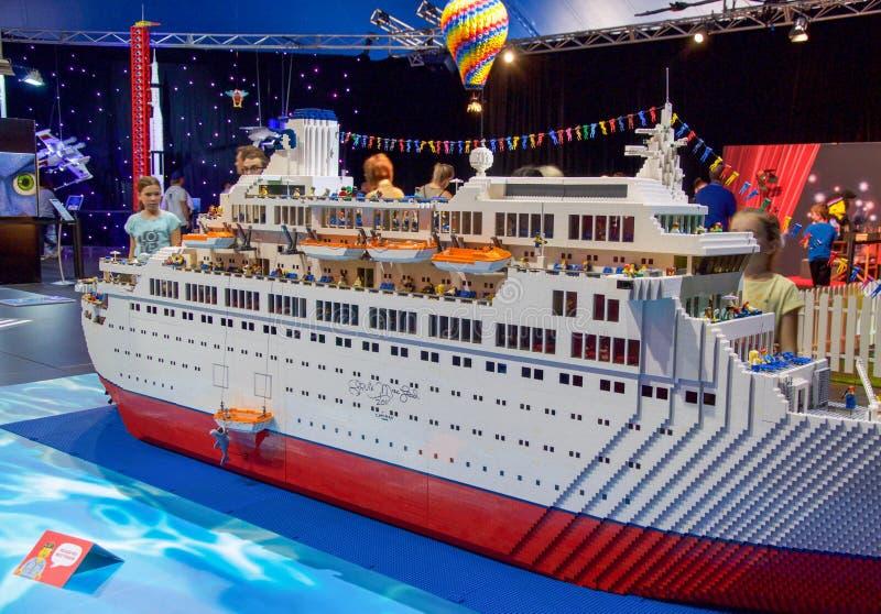 Lego Cruise Ship: Experiencia de Brickman en Perth imagen de archivo libre de regalías