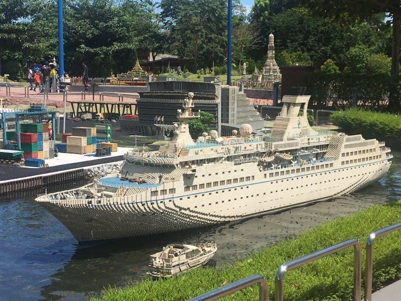 Lego miniatyr p? Legoland Malaysia royaltyfri foto