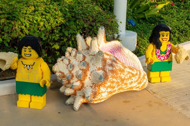 Legoland Dubai Theme Park Resort para crianças estátuas de Lego e conchas marítimas Destino de estância de luxo fotos de stock royalty free