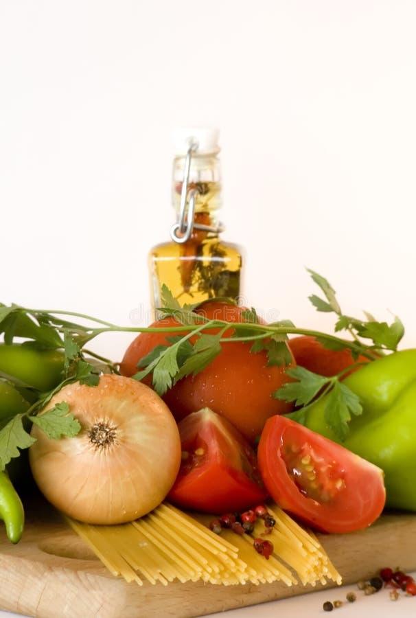 Legumes frescos e massa imagens de stock royalty free